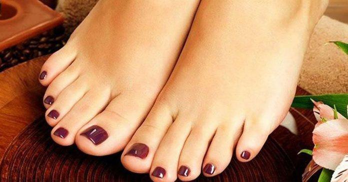 feet001