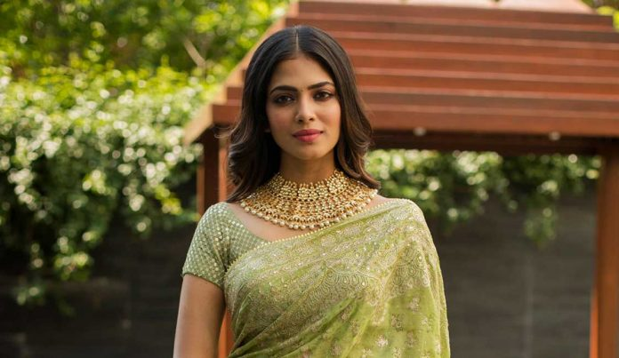 Malavika Mohanan Saree photos Thalapathy64 Pooja 9